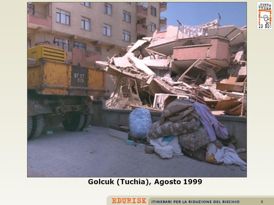 8 Golcuk (Tuchia), Agosto 1999