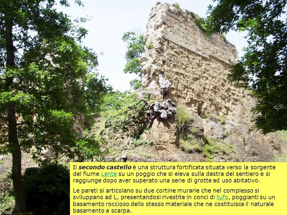 Il secondo castello è una struttura fortificata situata verso la sorgente del fiume Lente su un poggio che si eleva sulla destra del sentiero e si rag