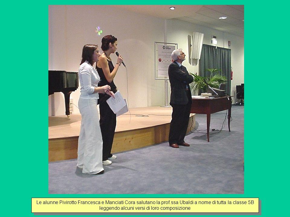 Lalunna Rossi saluta la prof.ssa Maria Grazia Ubaldi a nome di tutta la classe 3B