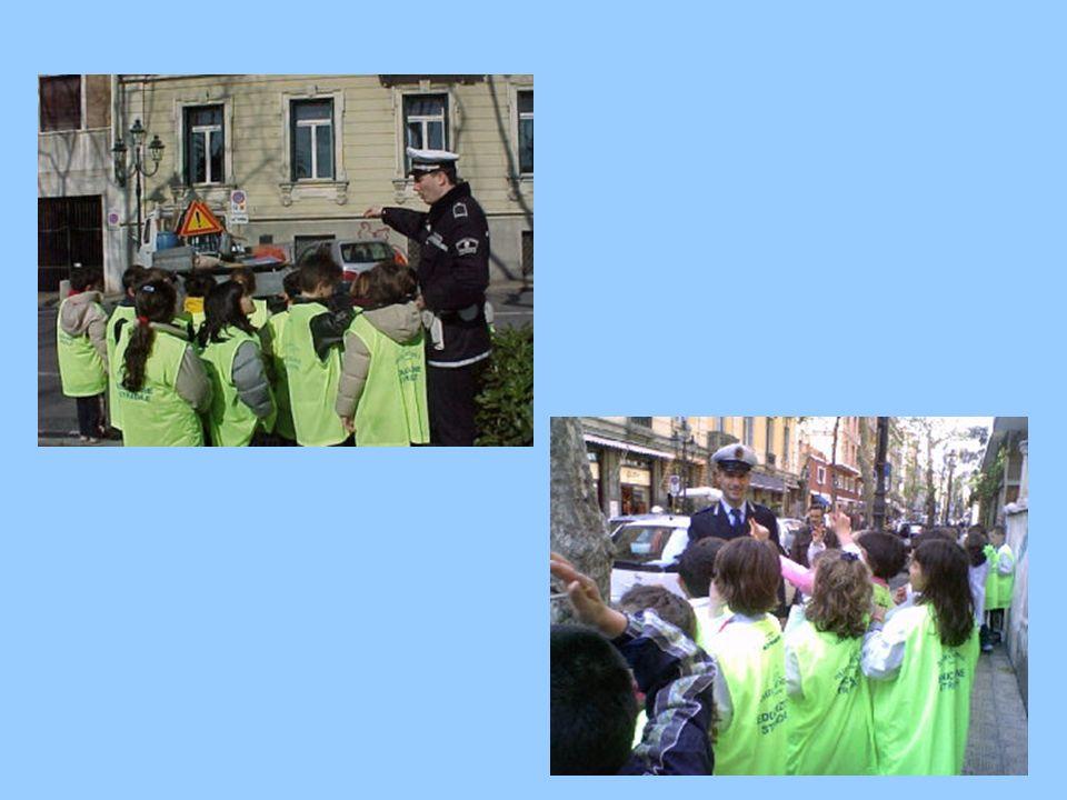 USCITA CON GLI AGENTI DI POLIZIA