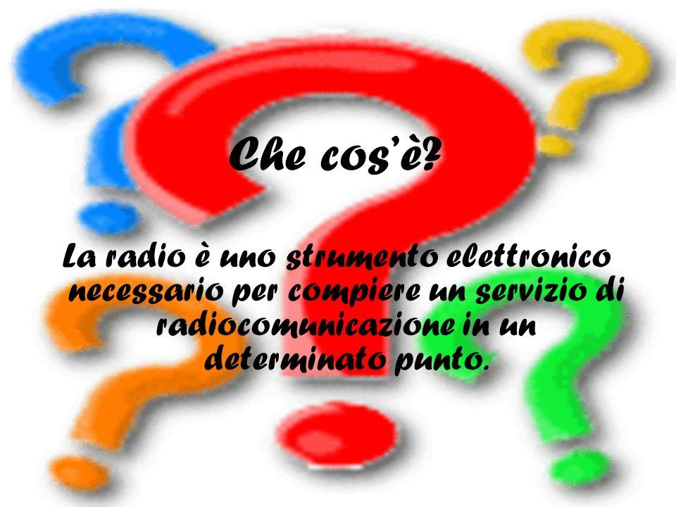 Oggi, al contrario, la radio ha dimensioni molto ristrette e si può facilmente cambiare canale attraverso i pulsanti situati nella parte superiore e si possono inserire dischi o cassette.