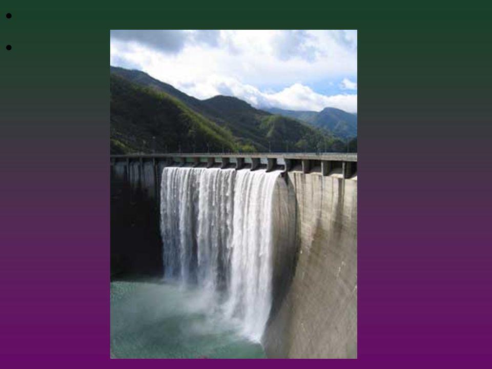 L'energia cinetica viene poi trasformata attraverso il generatore elettrico, grazie al fenomeno dell'induzione elettromagnetica, in energia elettrica.