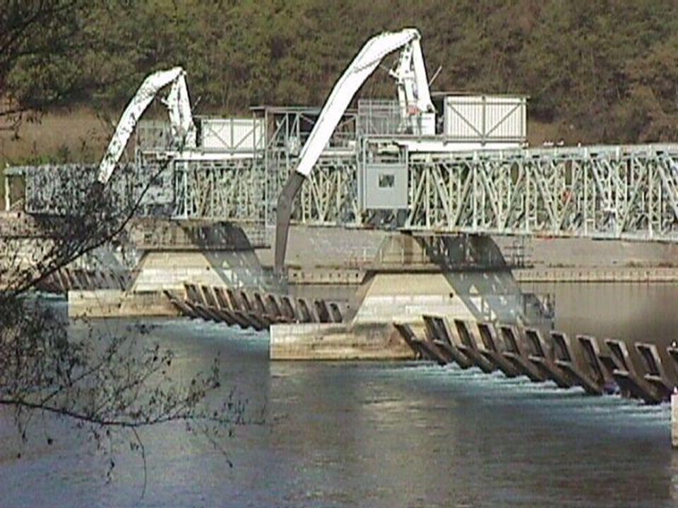 6 Perchè il lago Maggiore è regolato? t afflussi t livelli GD t erogazioni soglia di esondazione Lago regolato Lago naturale domanda irrigua