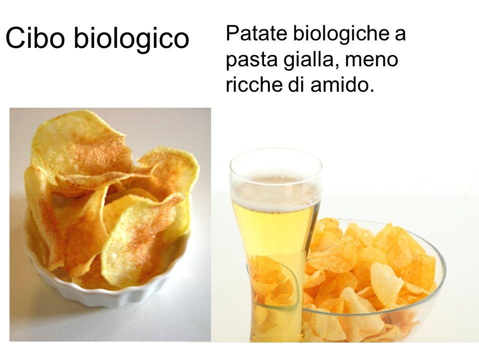 Patate biologiche a pasta gialla, meno ricche di amido. Cibo biologico