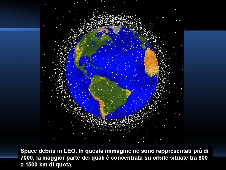 Space debris in LEO. In questa immagine ne sono rappresentati più di 7000, la maggior parte dei quali è concentrata su orbite situate tra 800 e 1500 k