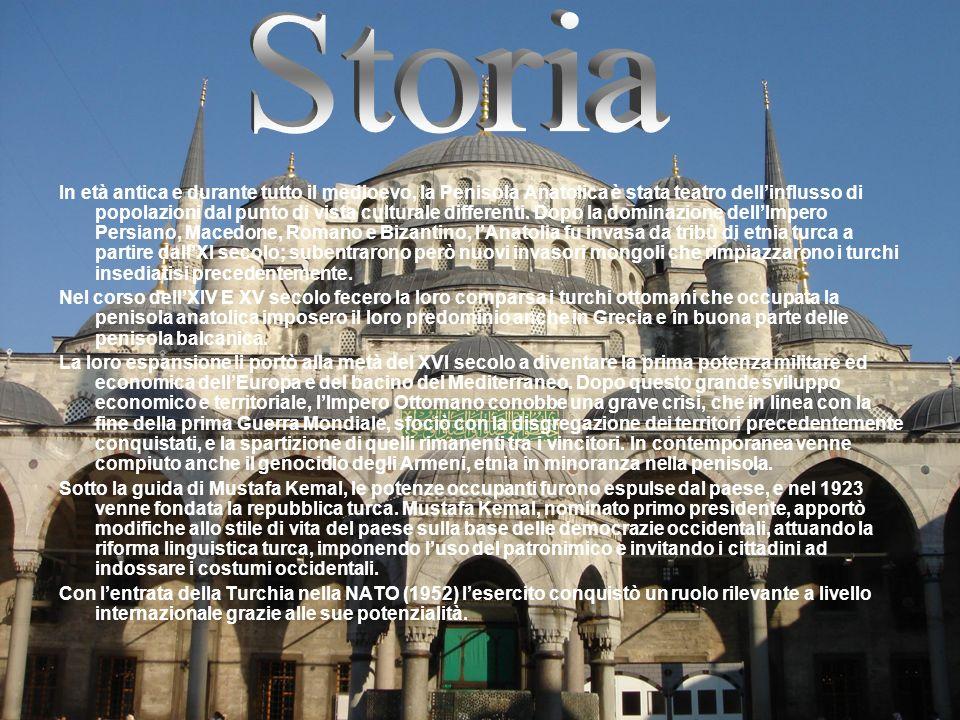 In età antica e durante tutto il medioevo, la Penisola Anatolica è stata teatro dellinflusso di popolazioni dal punto di vista culturale differenti. D