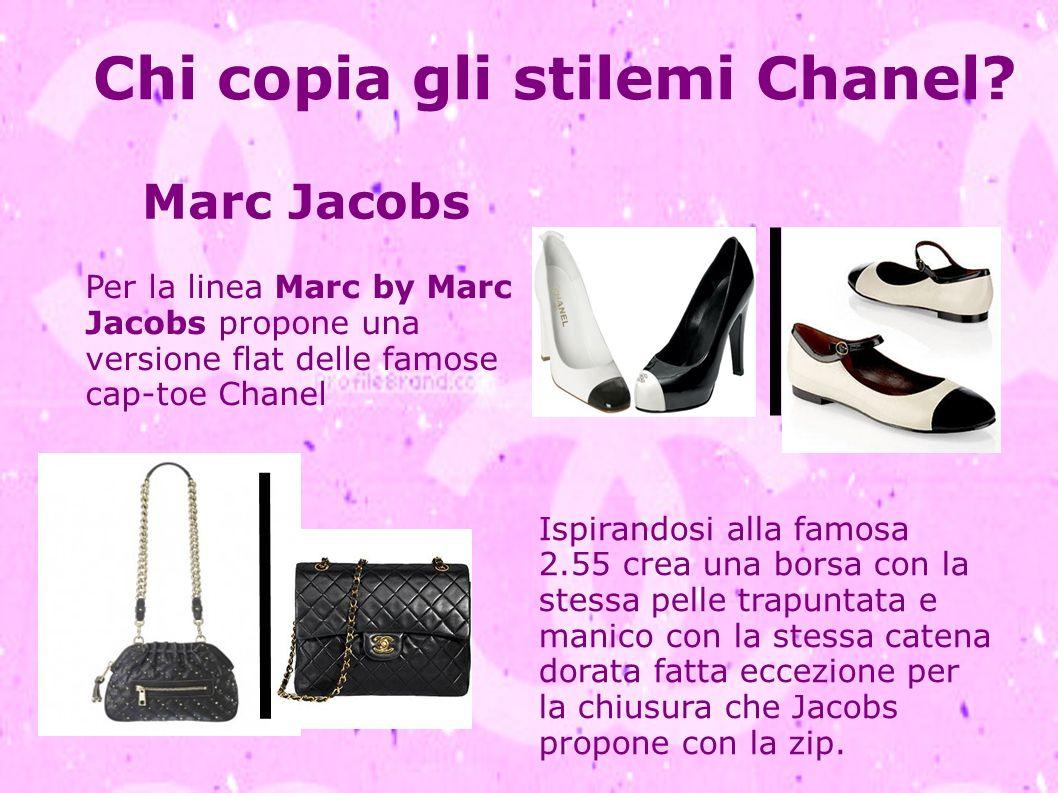 Chi copia gli stilemi Chanel? Ispirandosi alla famosa 2.55 crea una borsa con la stessa pelle trapuntata e manico con la stessa catena dorata fatta ec