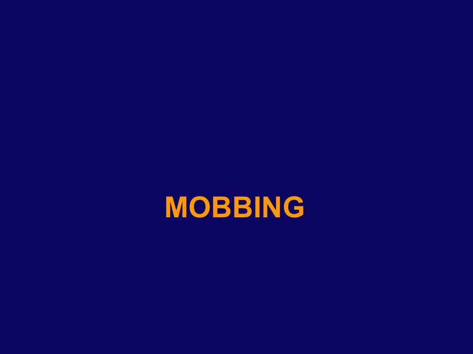 Definizione 1 Mobbing: Parola derivante dal verbo del vocabolario anglosassone to mob, che significa assalire, malmenare, attaccare Parola derivante dal verbo del vocabolario anglosassone to mob, che significa assalire, malmenare, attaccare tumultuosamente; dal latino mobile vulgus movimento della gentaglia.