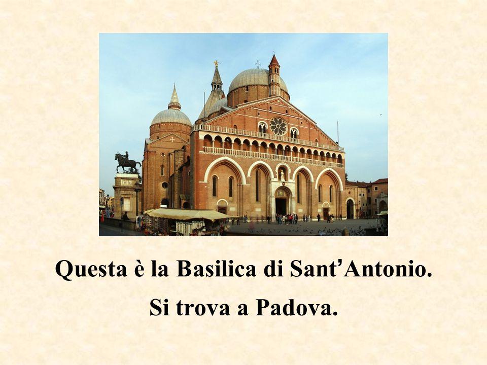 Questa è la casa di Giulietta. Si trova a Verona.