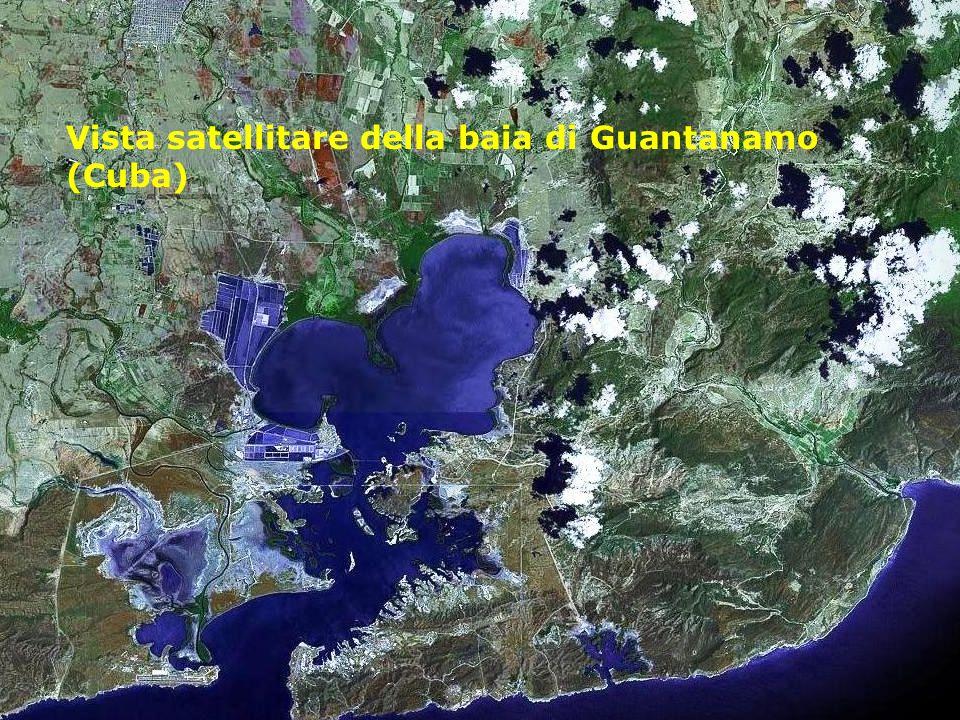 Vista satellitare della baia di Guantanamo (Cuba)