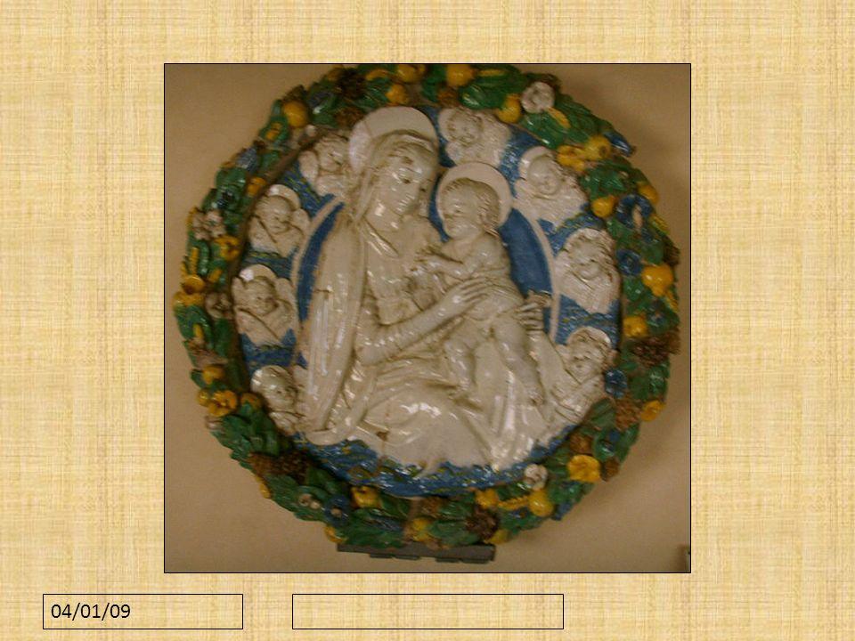 Quella nella figura è la madonna col bambino Di Benedetto Buglioni, realizzata con terracotta invetriata.