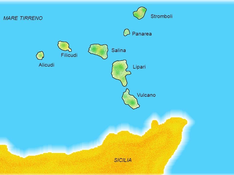 Geografia delle Eolie 1 A nord della Sicilia, nel basso Tirreno, si estende larcipelago eoliano, formato da sette isole di origine vulcanica: Alicudi,