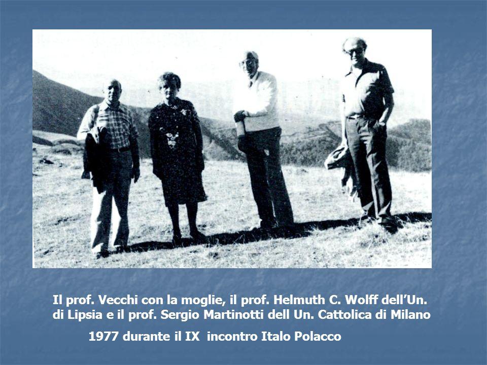 Il prof. Vecchi con la moglie, il prof. Helmuth C. Wolff dellUn. di Lipsia e il prof. Sergio Martinotti dell Un. Cattolica di Milano 1977 durante il I