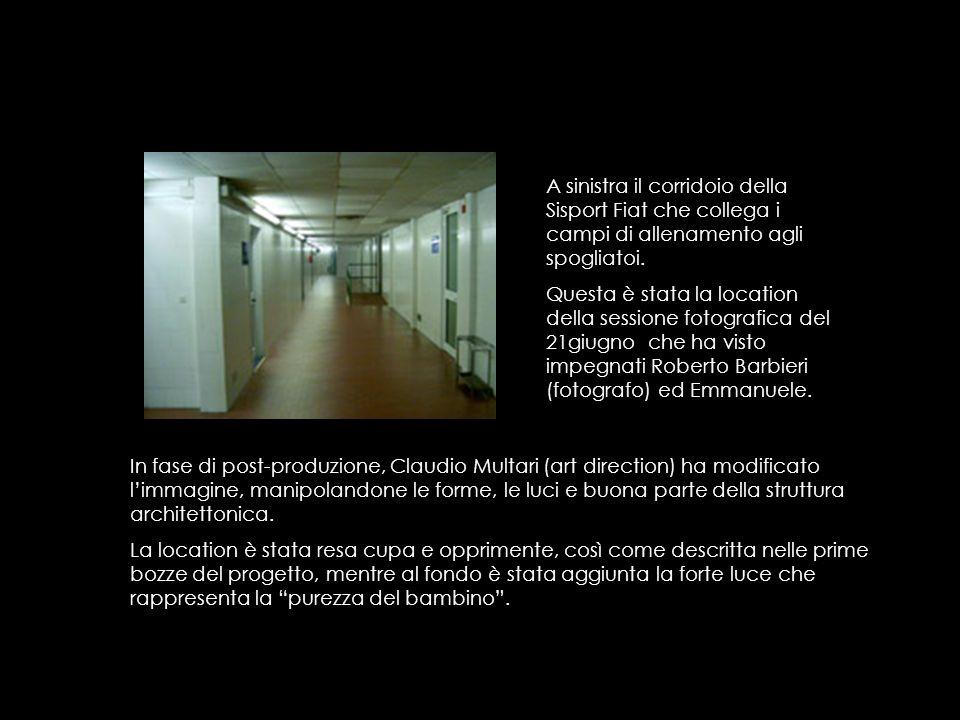 A sinistra il corridoio della Sisport Fiat che collega i campi di allenamento agli spogliatoi. Questa è stata la location della sessione fotografica d