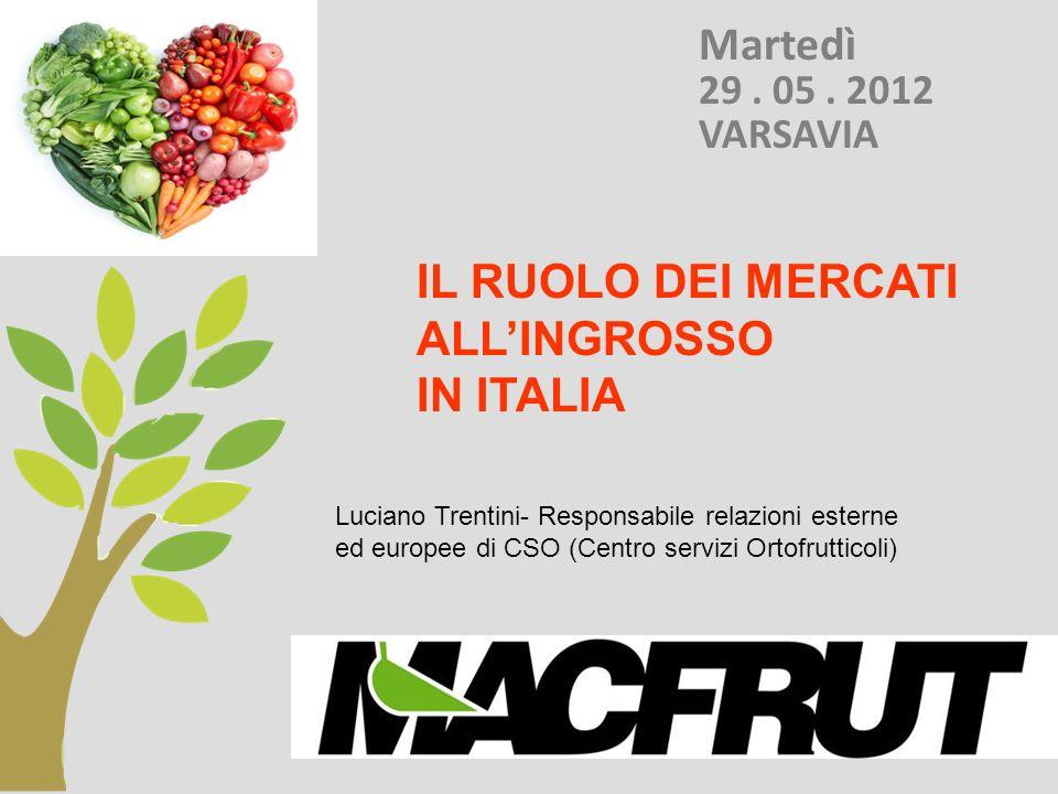 Italia: I MERCATI ORTOFRUTTICOLI ALLA PRODUZIONE Esempio: Mercato di Vittoria - RG ( 250.000 t.) Mercato di Fondi - LT (1.100 000 di t.) Mercato di Villafranca - VR ( 470.000 t.)