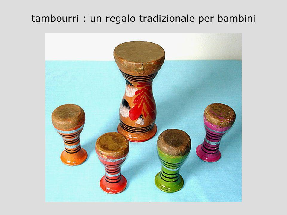 tambourri : un regalo tradizionale per bambini