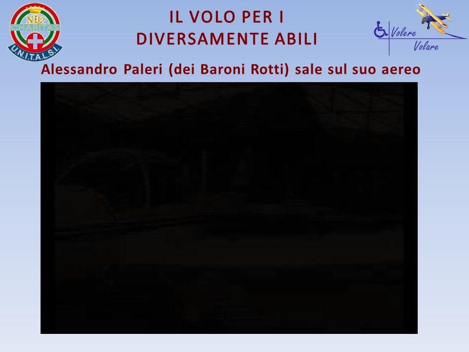 Alessandro Paleri (dei Baroni Rotti) sale sul suo aereo