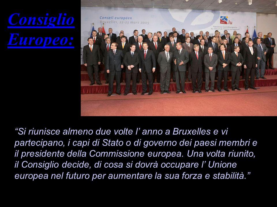 8-9 dicembre 1989: I capi di stato dei paesi membri della CEE, firmano la Carta comunitaria dei diritti sociali fondamentali dei lavoratori 19 dicembre 1989: Quarta Convenzione di Lomé tra CEE e 69 paesi ACP 20 giugno 1990: CEE ed EFTA danno inizio ai negoziati per la formazione di un Area economica europea 14 aprile 1991: Diventa operativa la Banca europea per la ricostruzione e lo sviluppo (BERS) 9-10 dicembre 1991: Summit tra i capi di stato e di governo dei paesi membri a Maastricht, nei Paesi Bassi 7 febbraio 1992: Con la firma del trattato sull Unione Europea, la CEE diventa Unione Europea (UE) 1° novembre 1993: Entra in vigore il trattato sull Unione Europea 1° gennaio 1994: Con l istituzione dell Istituto monetario europeo (Banca centrale europea) ha inizio la seconda fase dell unione economica e monetari 24-25 giugno 1994: Austria, Finlandia, Svezia e Norvegia firmano il trattato di adesione alla UE 28 novembre 1994: In Norvegia, un referendum respinge nuovamente l ingresso del paese nell UE 1° gennaio 1995: Con l ingresso di Austria, Finlandia e Svezia, i membri dell UE diventano quindici 26 marzo 1995: Entra in vigore l accordo di Schengen tra sette paesi dell UE (Belgio, Francia, Germania, Lussemburgo, Paesi Bassi, Portogallo, Spagna) 29 marzo 1996: Apertura ufficiale, a Torino, della Conferenza intergovernativa per la riforma del trattato di Maastricht