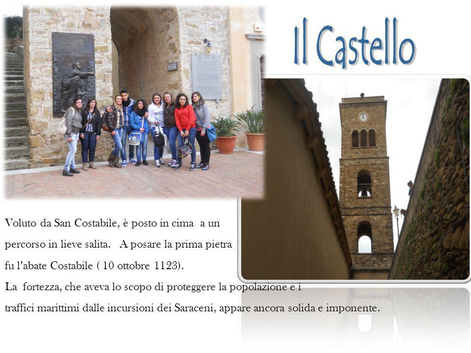 Voluto da San Costabile, è posto in cima a un percorso in lieve salita. A posare la prima pietra fu l'abate Costabile ( 10 ottobre 1123). La fortezza,