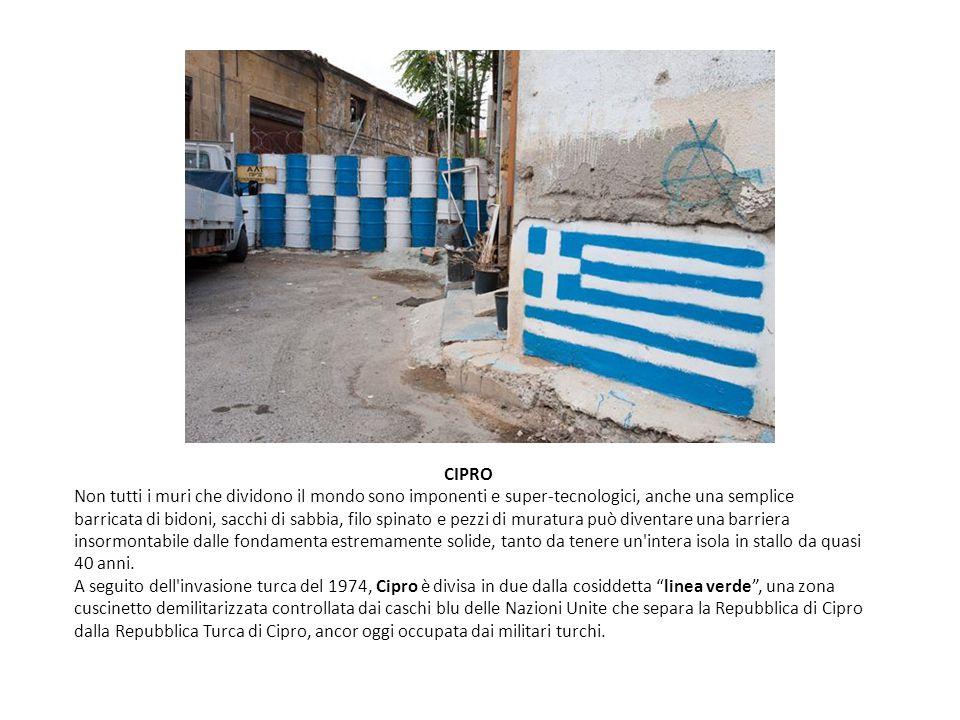 CIPRO Non tutti i muri che dividono il mondo sono imponenti e super-tecnologici, anche una semplice barricata di bidoni, sacchi di sabbia, filo spinat