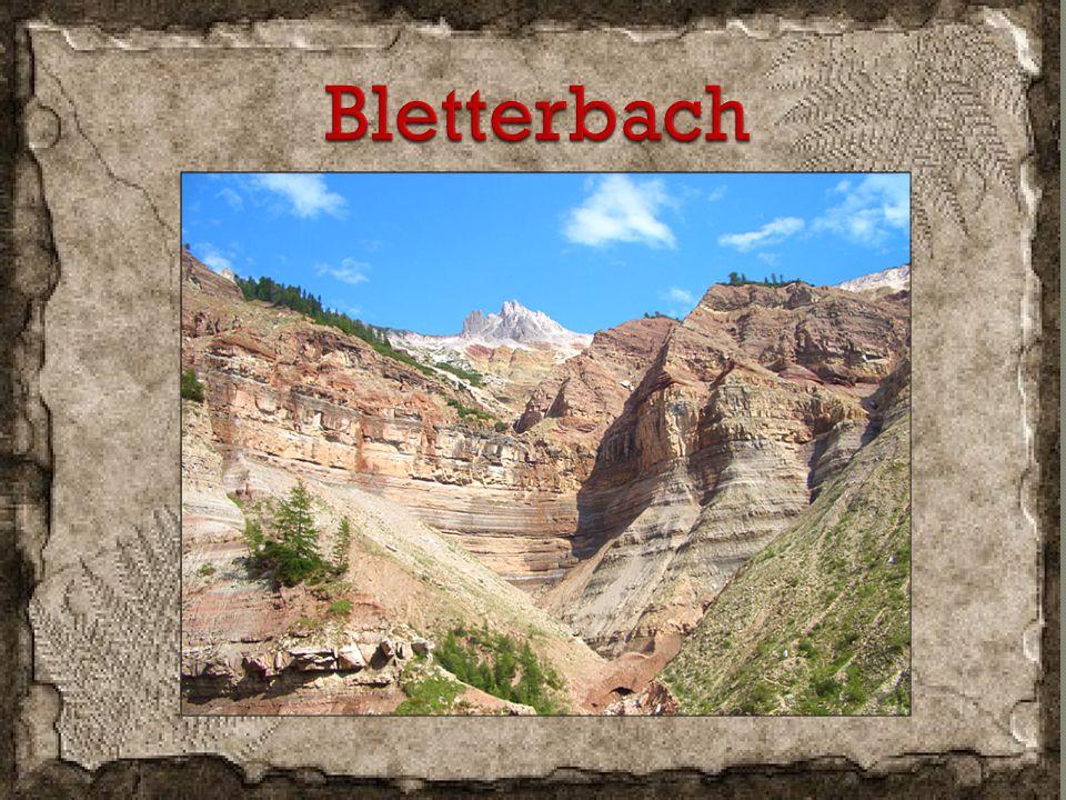 E' una parco geologico proclamato dall' unesco patrimonio dell' umanità.