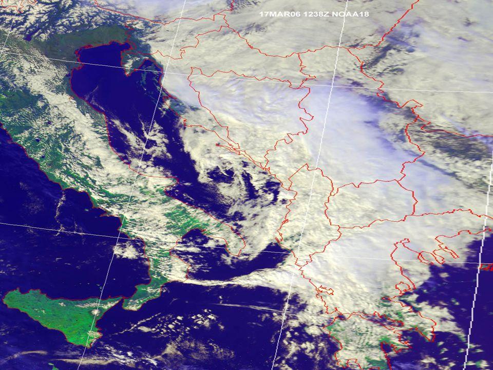 15 Satelliti meteorologici Hanno consentito di avere una visione delle nubi dall'alto