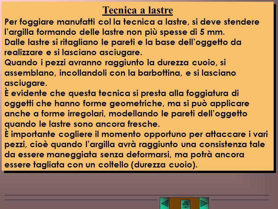 Lucio TROISE Esistono diversi stili di lavorazione a lucignolo. Essi si differenziano per lo spessore dei colombini, e per la possibilità di lisciare