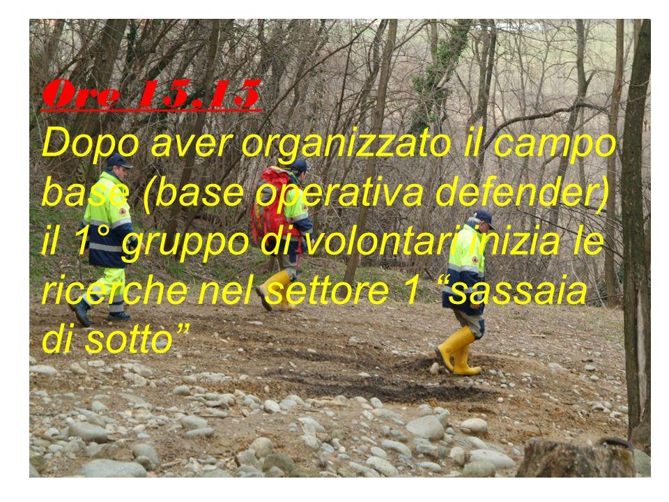 Ore 15,05 La centrale operativa decide di istituire una seconda base operativa nei pressi dell'aula verde utilizzando il defender, quindi parte il 1° gruppo formato da Dott.