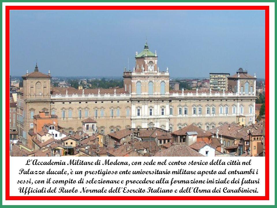 Nel 1987 le Poste italiane emettono un valore da 600 Lire per commemorare il bicentenario della fondazione della Scuola Militare della Nunziatella di