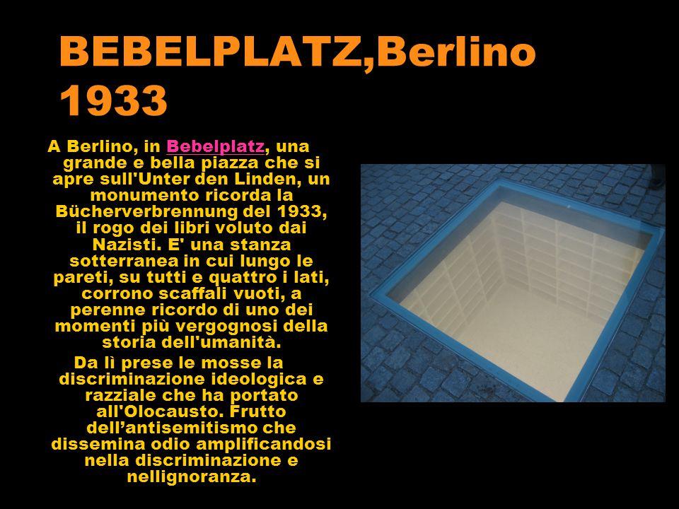 BEBELPLATZ,Berlino 1933 A Berlino, in Bebelplatz, una grande e bella piazza che si apre sull Unter den Linden, un monumento ricorda la Bücherverbrennung del 1933, il rogo dei libri voluto dai Nazisti.