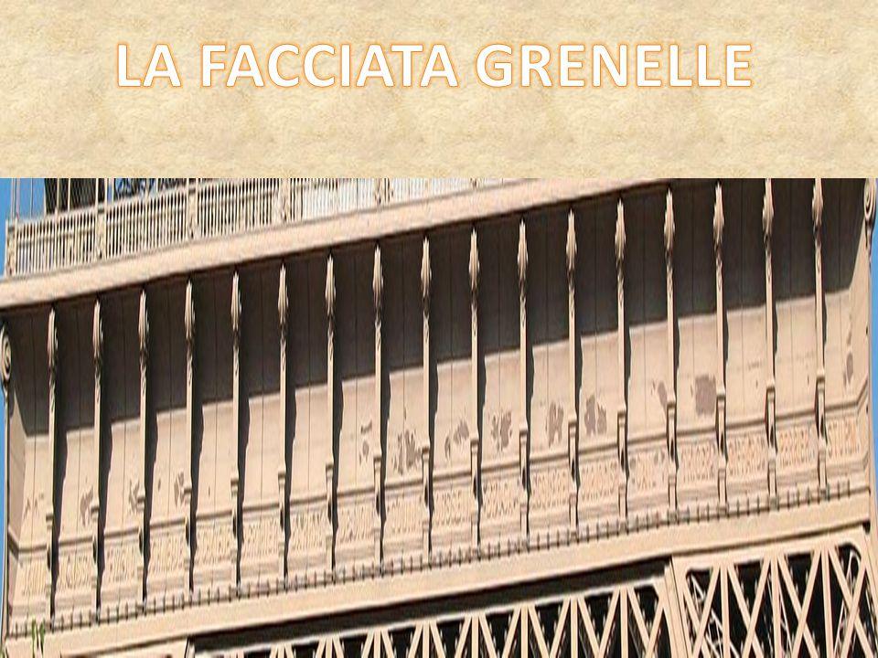 L ingegnere Gustave Eiffel decise di far incidere, sotto la balconata del primo piano della torre, i nomi di 72 cittadini francesi - soprattutto scienziati e ingegneri - in segno di riconoscimento per i loro studi.I nomi, ben visibili dal suolo, si trovano su tutti i quattro lati della torre (18 per ciascun lato); erano stati ricoperti di vernice all inizio del XX secolo, ma vennero recuperati e restaurati tra il 1986 ed il 1987.