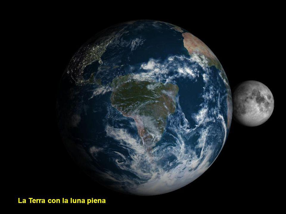 La Terra con la luna nuova