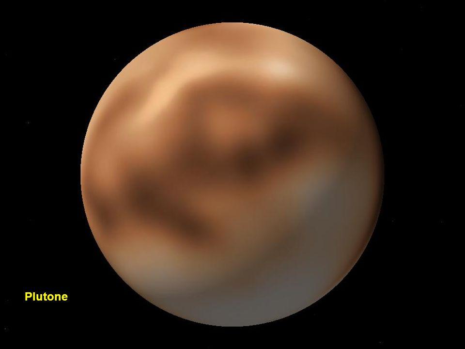 Nereide e Tritone in orbita attorno a Nettuno