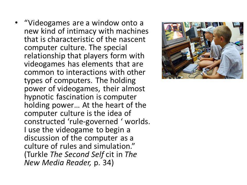 Per convergenza intendo il flusso dei contenuti su più piattaforme, la cooperazione tra più settori dell'industria dei media e il migrare del pubblico alla ricerca continua di nuove esperienze di intrattenimento… In questa sede voglio contestare l'idea secondo la quale la convergenza sarebbe essenzialmente un processo tecnologico che unisce varie funzioni all'interno degli stessi dispositivi.