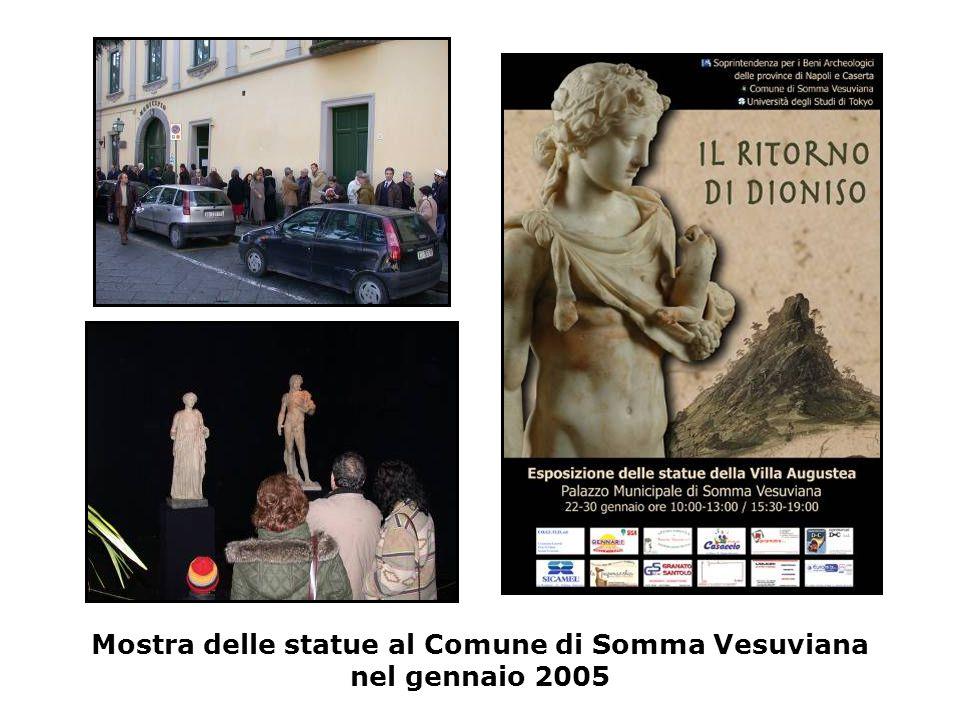 Mostra delle statue al Comune di Somma Vesuviana nel gennaio 2005