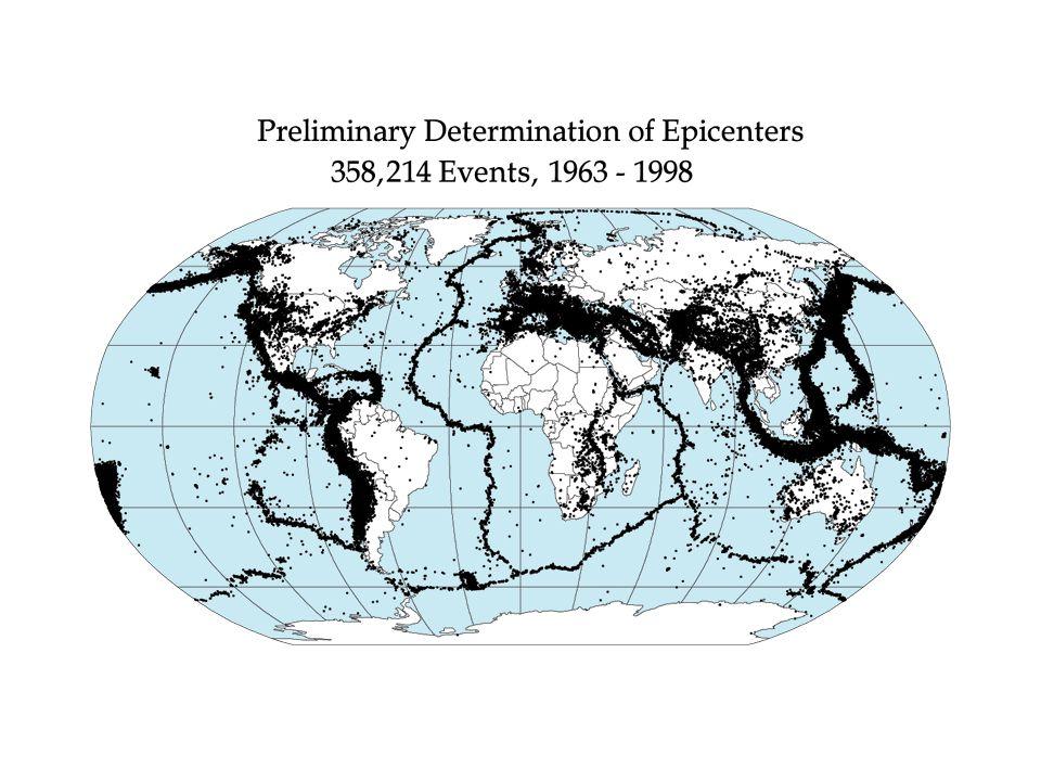 La distribuzione delle fasce sismiche in genere coincide con il decorso delle grandi catene montuose, delle dorsali oceaniche o delle fosse abissali.