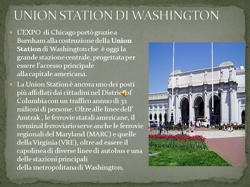 Nel 1893 BURNHAM organizzò i padiglioni americani alla Columbian World Exposition di Chicago con uno stile che fu aspramente criticato da molti, dal momento che furono presentate architetture lignee in stile neoclassico lavorate con stucco bianco, in assoluta controtendenza con quanto si faceva a Chicago in quel momento.