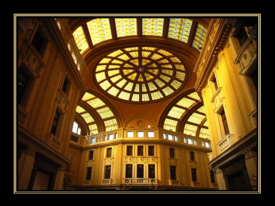 """La """"Galleria Vittorio Emanuele III"""", opera insigne dell'Ing. Arch. Camillo Puglisi Allegra è stato realizzata tra il 1924 e il 1929. Per Messina è un"""