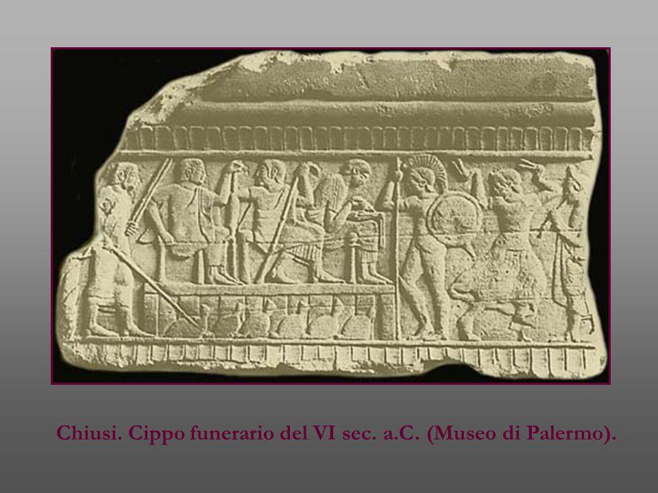 Chiusi. Cippo funerario del VI sec. a.C. (Museo di Palermo).