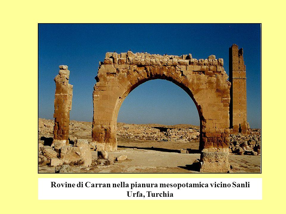 Rovine di Carran nella pianura mesopotamica vicino Sanli Urfa, Turchia