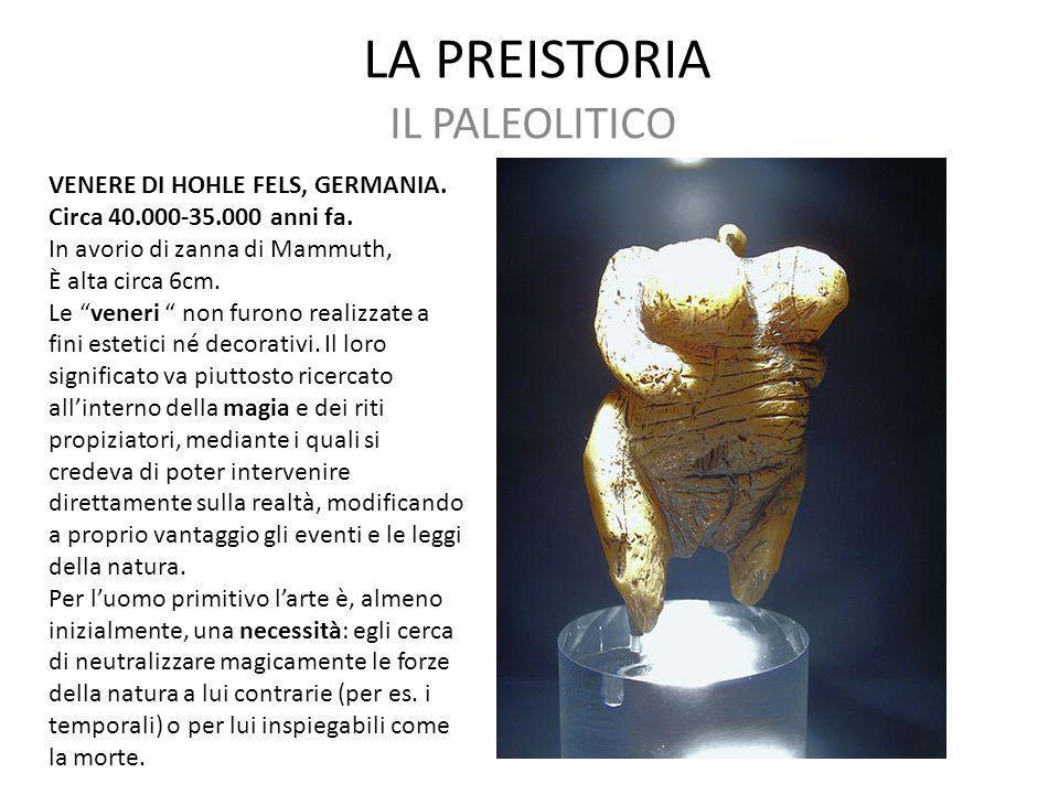 """LA PREISTORIA IL PALEOLITICO VENERE DI HOHLE FELS, GERMANIA. Circa 40.000-35.000 anni fa. In avorio di zanna di Mammuth, È alta circa 6cm. Le """"veneri"""