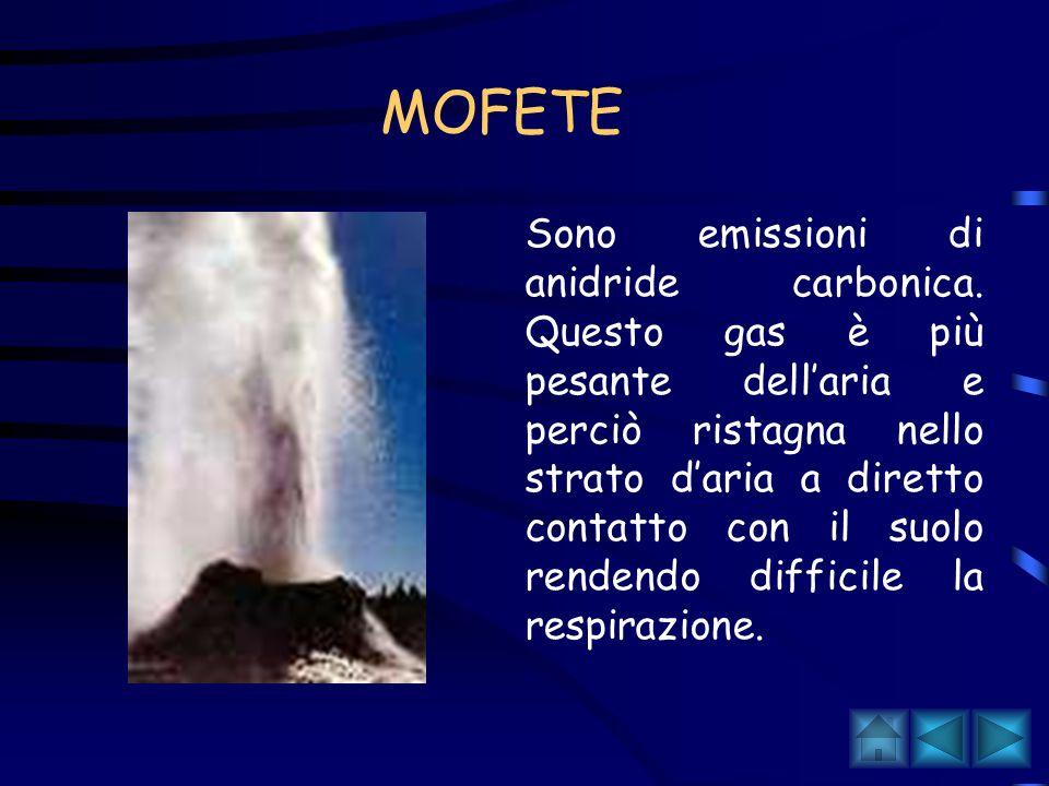 SORGENTI TERMALI Molto diffuse in Italia, sono costituite da acque calde, ricche di gas e sali minerali, spesso sfruttate per le loro proprietà terapeutiche esse sono costituite da acque calde che risalgono in superficie.