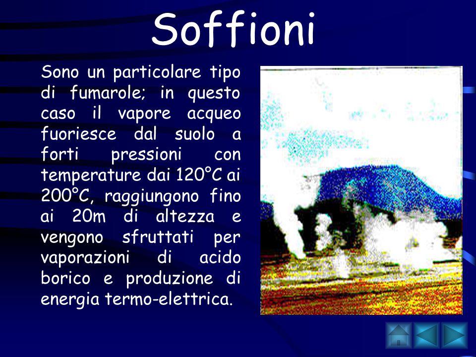 Piccole fessure nel suolo da cui fuoriescono emissioni di acqua calda,vapore acqueo e anidride carbonica, frequenti vicino a Napoli.
