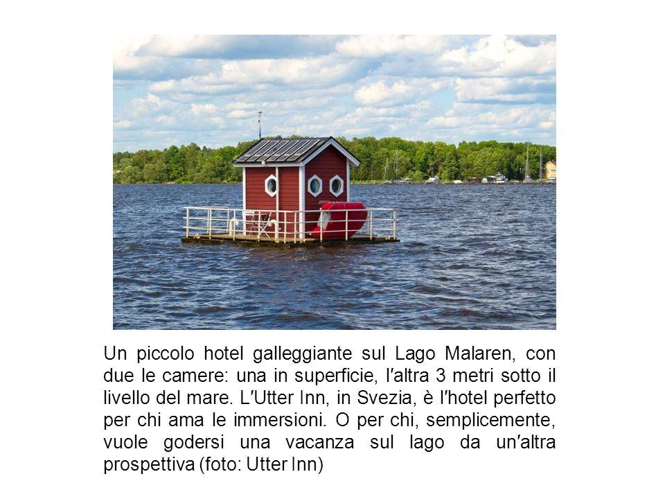 Un piccolo hotel galleggiante sul Lago Malaren, con due le camere: una in superficie, l′altra 3 metri sotto il livello del mare.