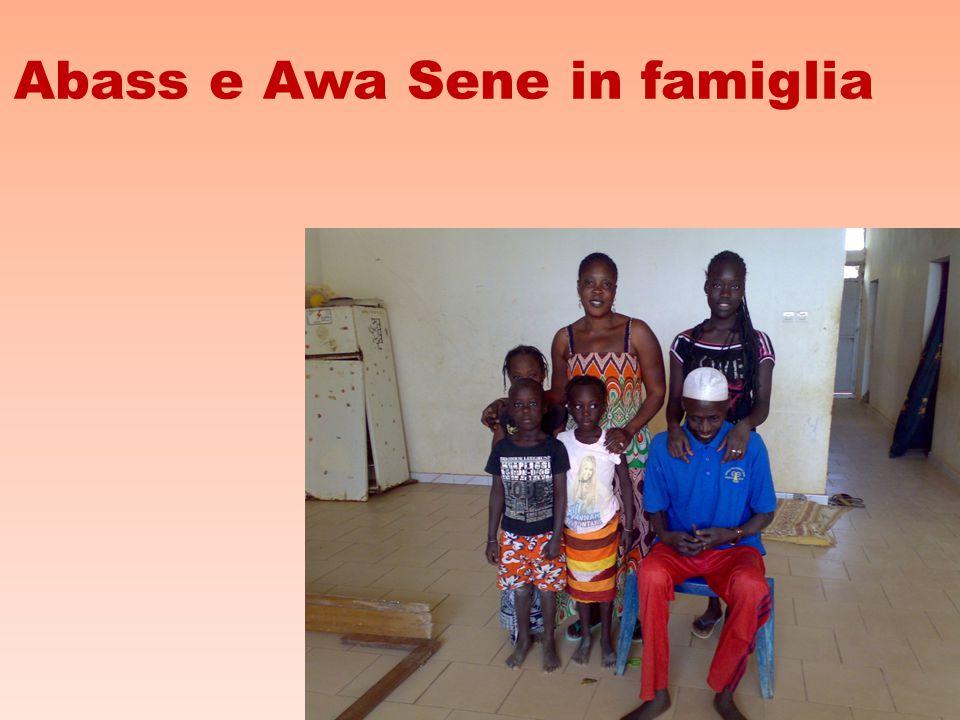 Abass e Awa Sene in famiglia