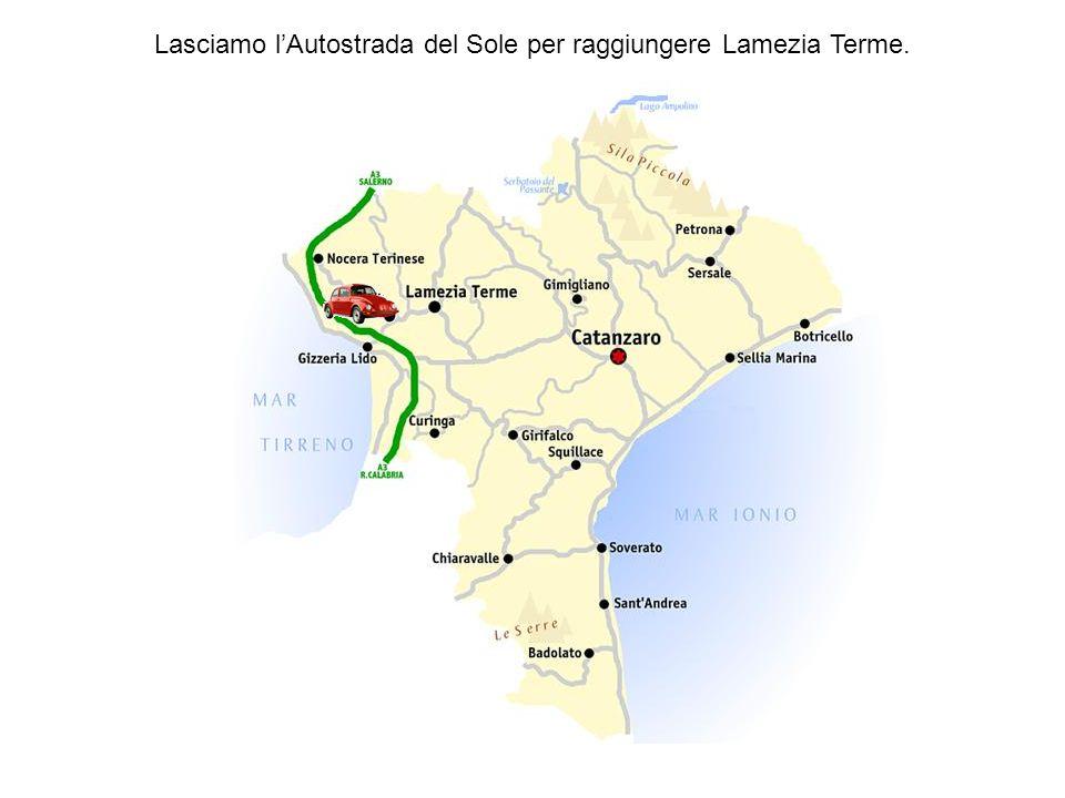 Gizzerìa con 4.646 abitanti è situata a 630 m. s.l.m., arroccata sotto il colle Micatundo sui pendii della valle del torrente Casale. I reperti archeo