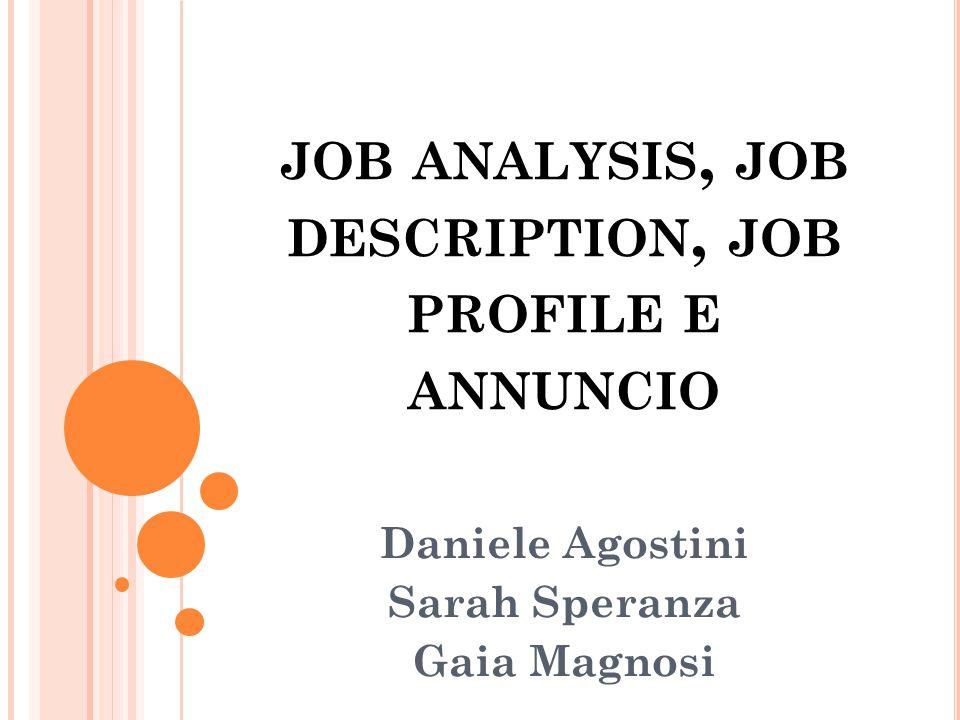 JOB PROFILE (1/3) Segretaria - Supporto nella gestione della rete vendite - Gestire le agende - Accoglienza clienti e fornitori - Organizzare riunioni, viaggi etc...