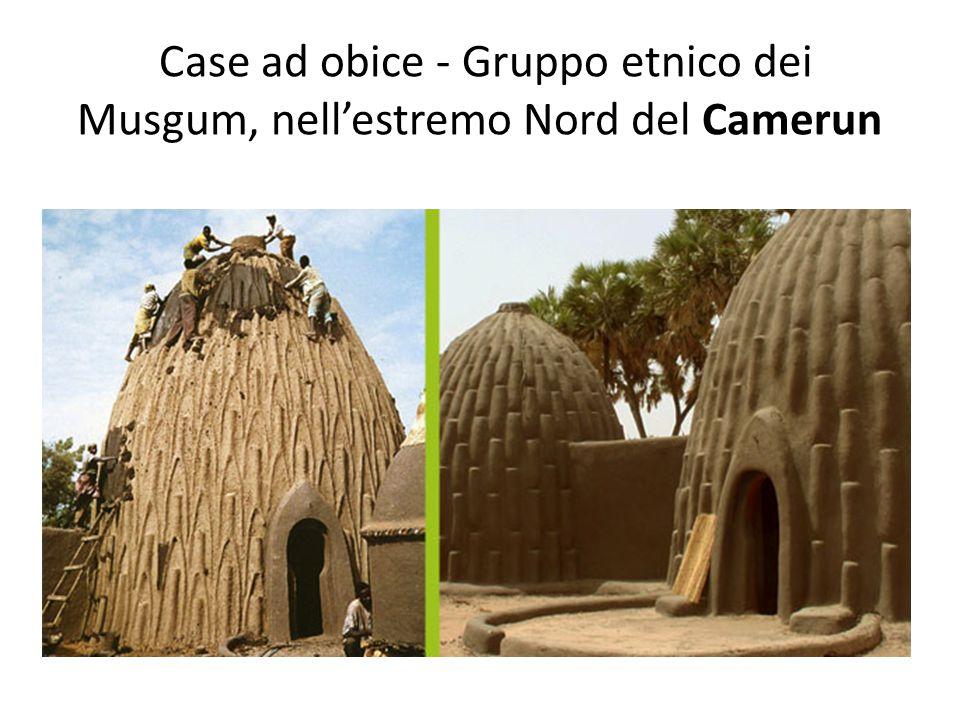 Case ad obice - Gruppo etnico dei Musgum, nell'estremo Nord del Camerun