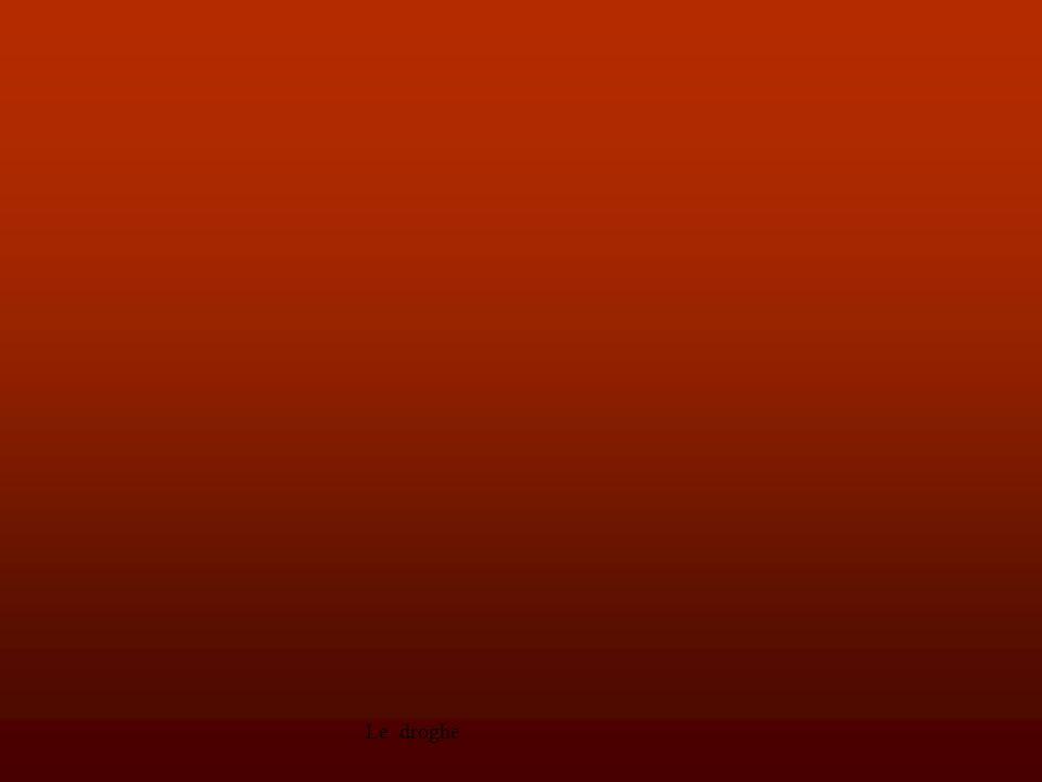 Le droghe38 Questi omologhi vanno distinti in due categorie: a) composti che possono considerarsi sostanzialmente equivalenti all'ecstasy anche se le loro cinetiche e le loro potenze certamente differiscono e anche se nulla o quasi è noto circa i loro possibili sinergismi con l'ecstasy stessa.