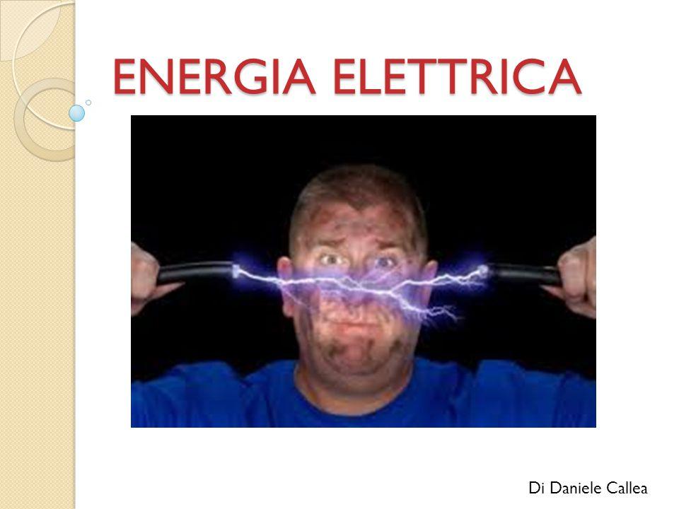 DEFINIZIONE L energia potenziale elettrica posseduta da una carica elettrica puntiforme nella posizione in presenza di un campo elettrico è l opposto del lavoro compiuto dalla forza elettrostatica per portare da una posizione di riferimento, in cui la carica ha un energia nota, alla posizione : dove è il potenziale elettrico in, e è lo spostamento infinitesimo.